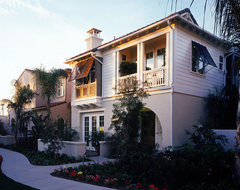 Huntington Beach Villas traditional exterior