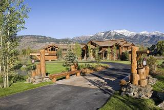 Tucker ranch jackson hole wy traditional exterior for Jackson wy alloggio cabine