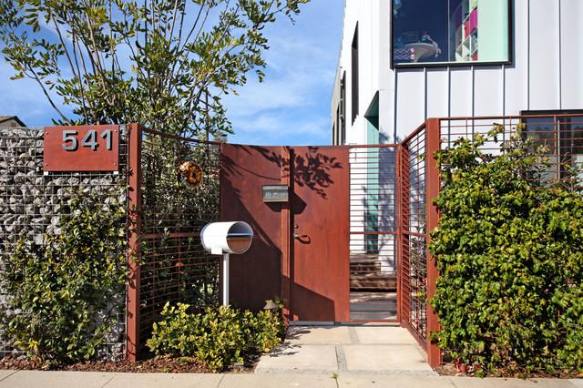 Turquoise LA Interior Design - Venice contemporary-exterior