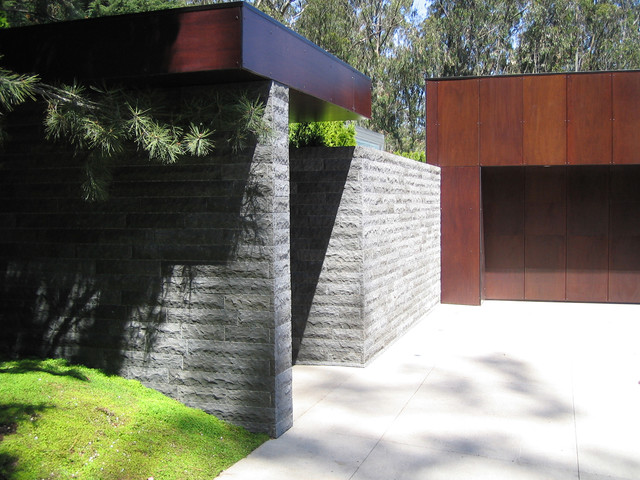 modern exterior by Jensen Architects