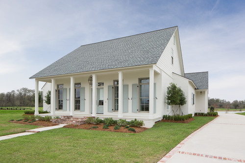Please Share The Exterior Colors Here And Roof Color. Love This!