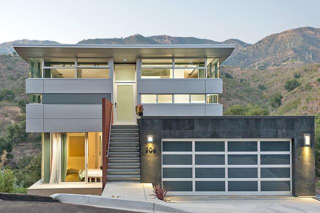 Ultra modern prefab home santa barbara for Ultra modern modular homes