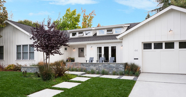 Updated Ranch In Menlo Park Transitional Exterior