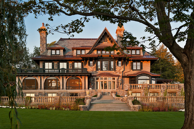 Exterior Mansion: Upstate Manor