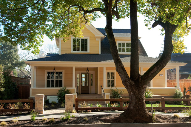 Urban Farmhouse traditional-exterior