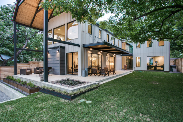 Urban Lake House In Dallas Texas Modern Exterior