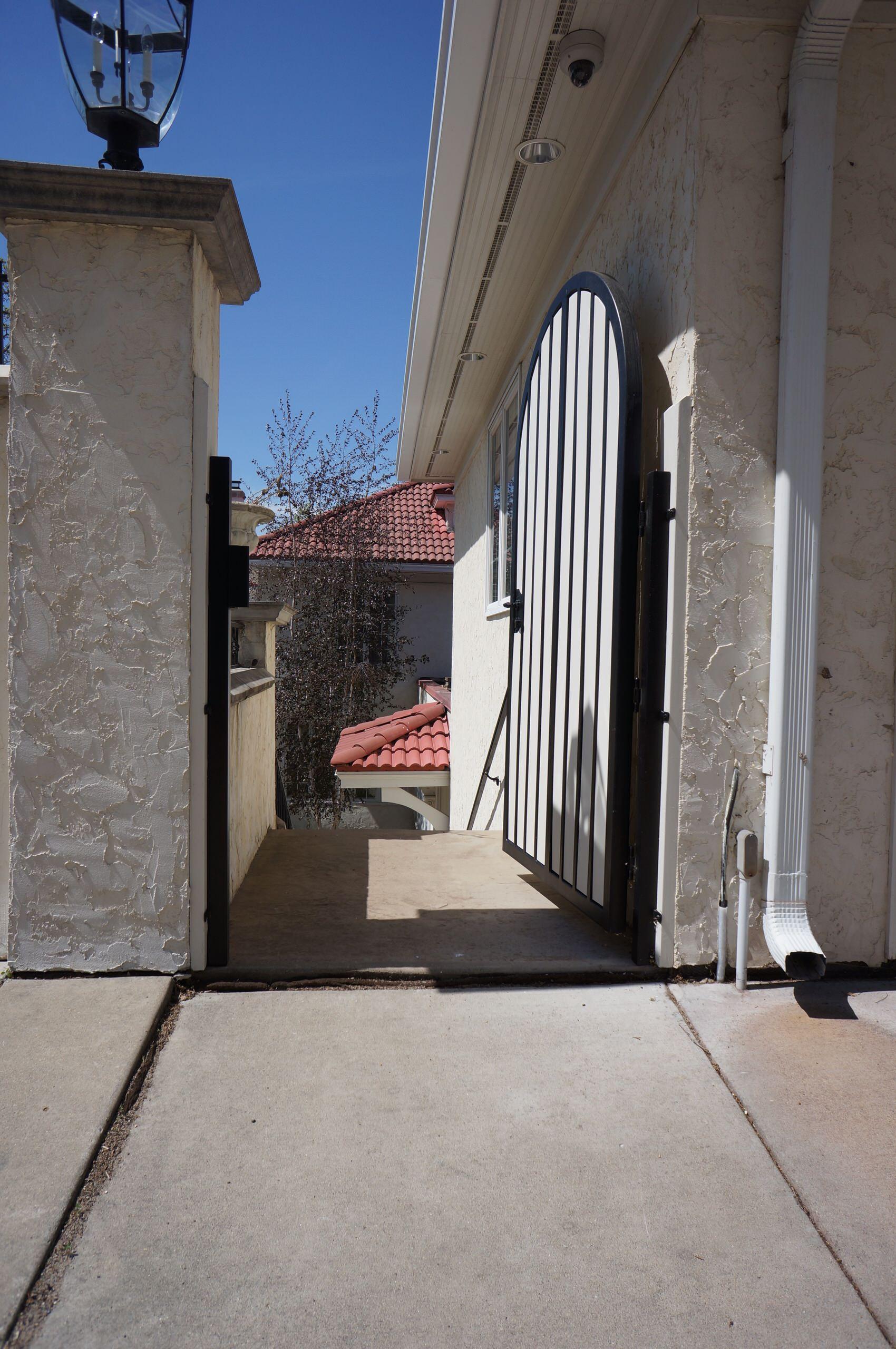 Urban Security Gate