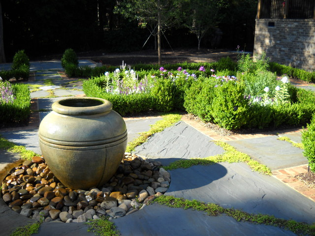 Urn Bubbler Fountain traditional-exterior