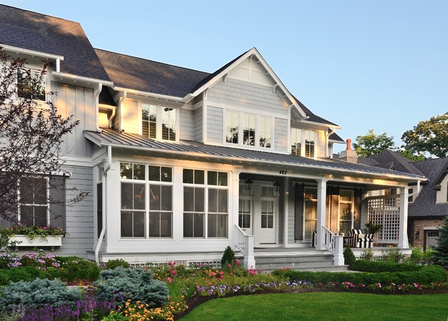 Vacationing at Home in Naperville Farmhouse Exterior chicago by Siena