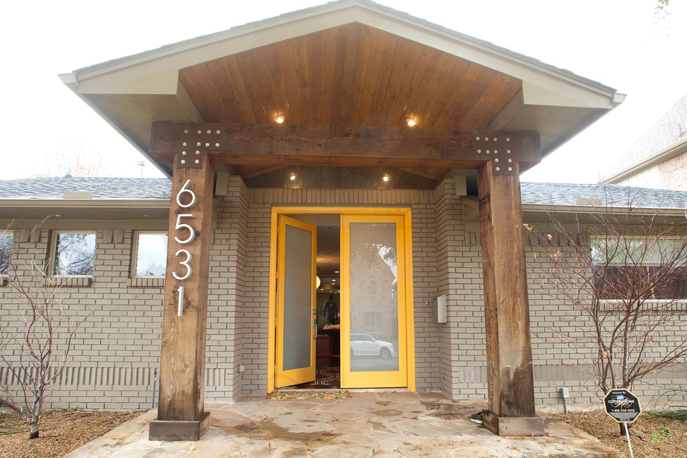 Inspiration for a modern exterior home remodel in Dallas
