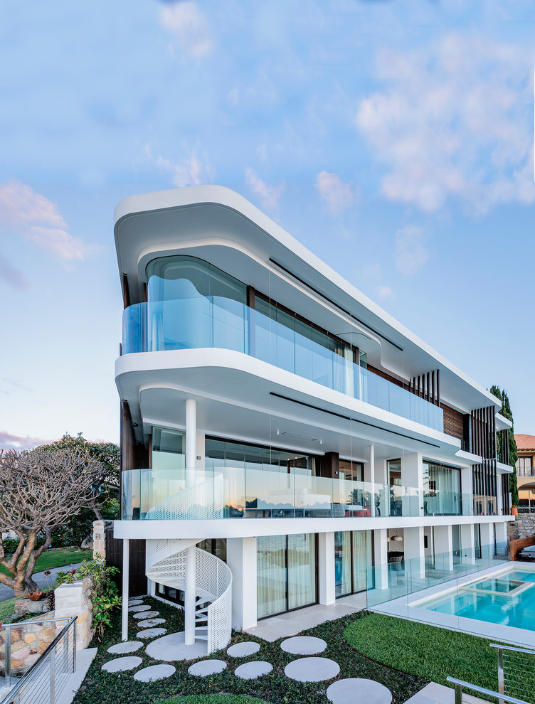 Design ideas for a large contemporary white exterior in Sydney.