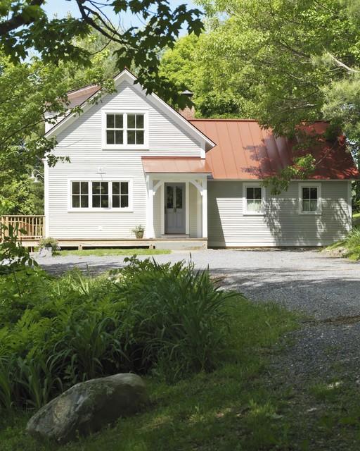 Vermont farmhouse farmhouse-exterior