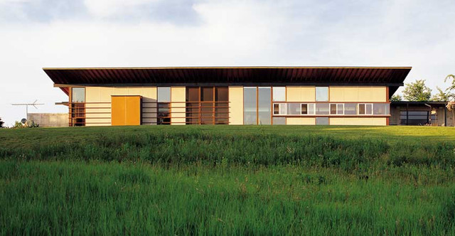 contemporary exterior by John Vetter