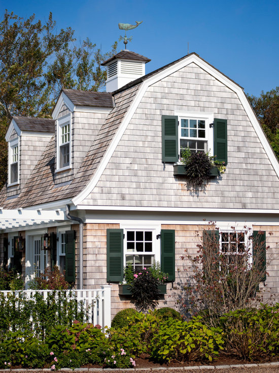 Dark chandelier exterior design ideas renovations photos with a mansard roof - Engaging home exterior decoration using mansard roof design ...