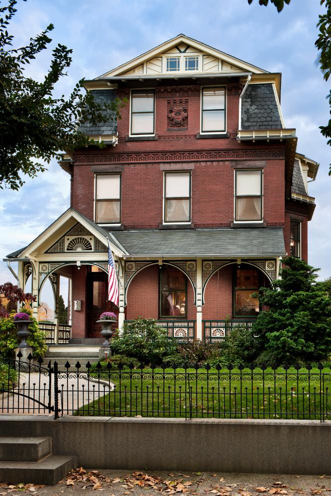 Victorian brick exterior home idea in Philadelphia