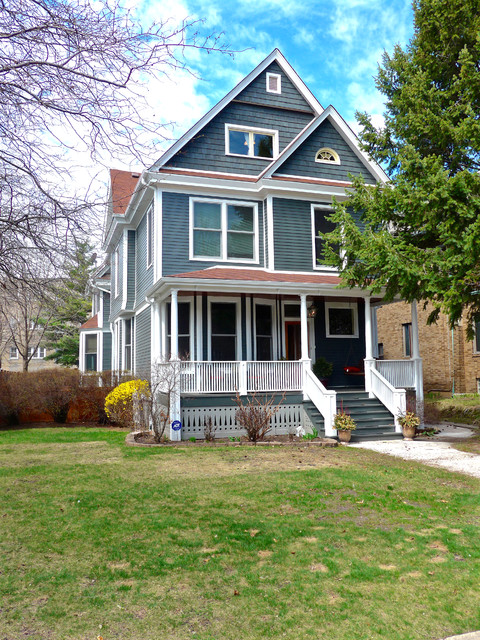 Victorian Style Home Chicago Il In James Hardie Siding