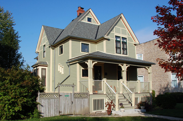 Victorian style home chicago il in james hardie siding for Victorian house trim