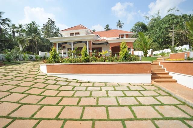Outdoor floor tiles design india gurus floor for Exterior floor tiles design kerala