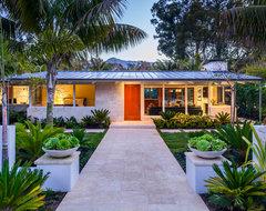 Villa Vicin' 'O Mare midcentury-exterior