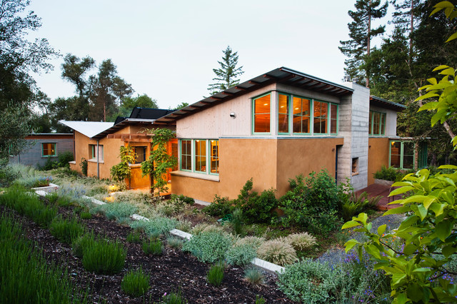 Vine Hill Road Straw Bale Residence contemporary-exterior