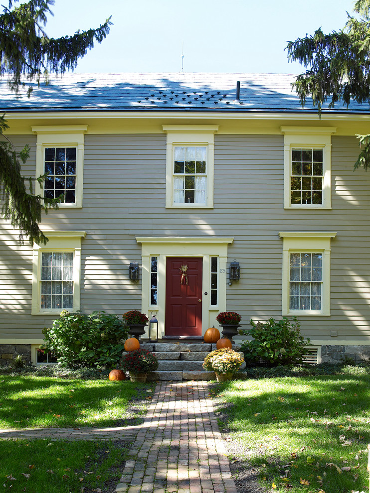 Inspiration for a cottage exterior home remodel in New York