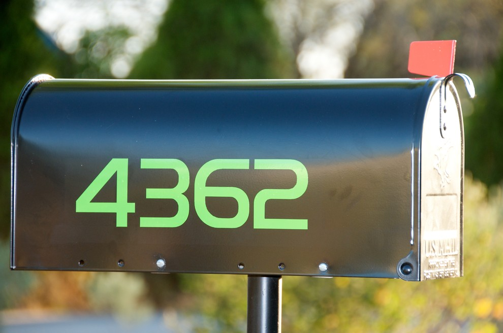 vinyl mailbox numbers and curb stencil - Modern - Exterior