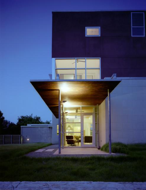 Waco Residence contemporary-exterior