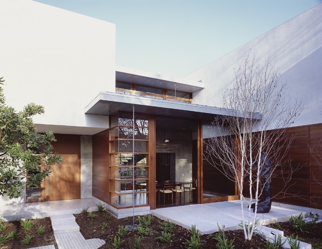 modern entry by Ehrlich Architects