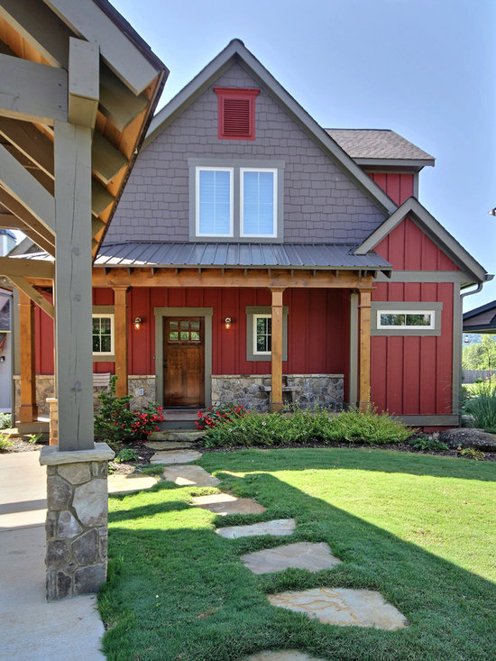 Farmhouse exterior paint colors with red brick trim for Farmhouse exterior paint colors