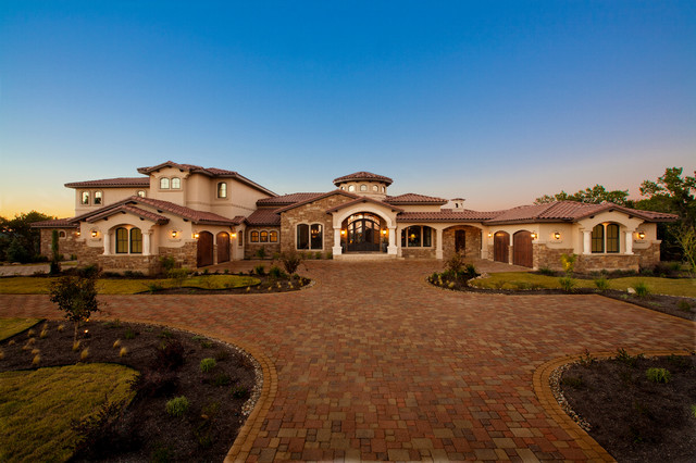Waterfront luxury home lake travis mediterranean for Luxury home exterior