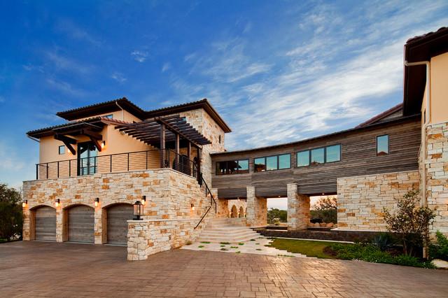 Waterfront Luxury Home On Lake Travis Mediterranean