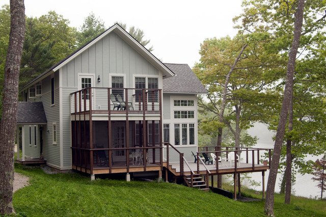 Waterfront Vacation Cottage Traditional Exterior