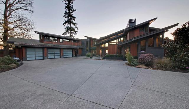 Watersedge contemporary-exterior