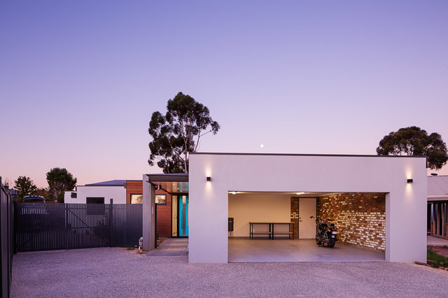 Werribee House Contemporary Exterior Melbourne By In2 Pty Ltd