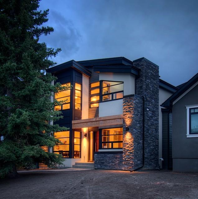 West coast modern home for Capstone exterior design firm