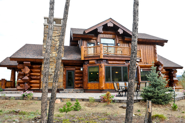 Western red cedar ranch style log home rustic exterior for Ranch style homes in colorado