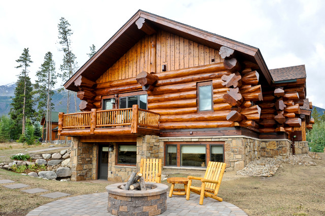 western red cedar ranch style log home rustic exterior