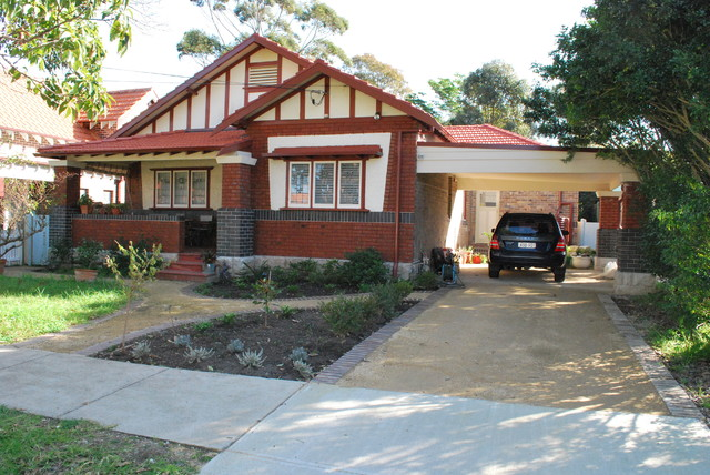 WIlloughby Bungalow 1 - Traditional - Exterior - sydney ...