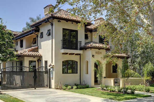 Spanish style outdoor entry home decorating ideas for Spanish style exterior