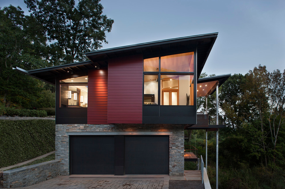 Mid-sized trendy exterior home photo in Charlotte