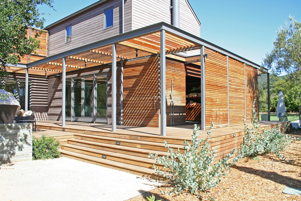 Example of a large minimalist brown two-story wood exterior home design in San Francisco