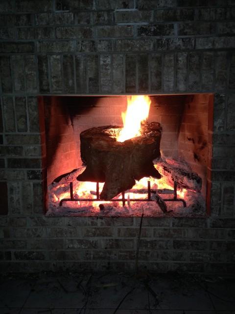 Wood burning fireplace craftsman facciata miami di for Tetto in stile ranch