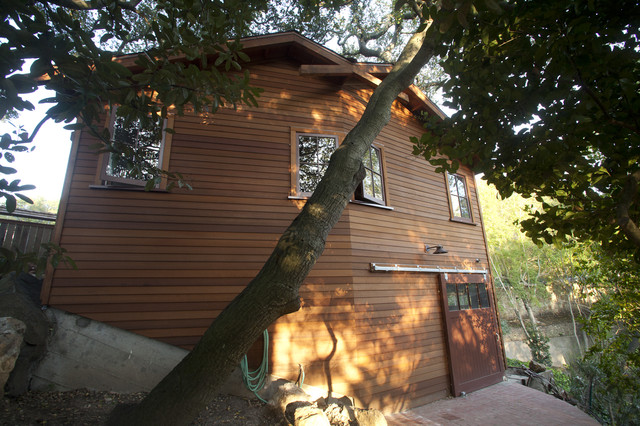 Wooded Garage traditional-exterior
