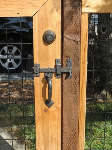 Wooden Gate Drop Bar Amp Handle Farmhouse Exterior Los