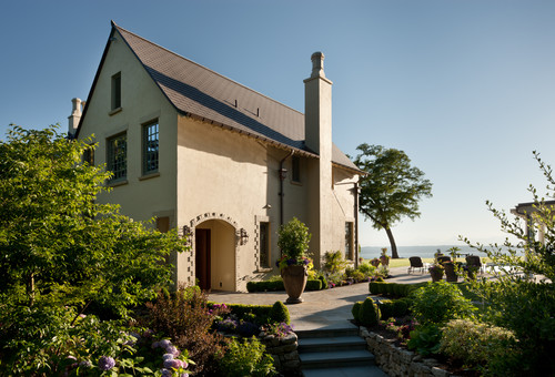 Woodway Manor by Woodway architects Curtis Gelotte and Eric Drivdahl