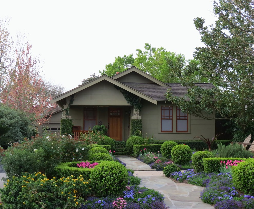 Craftsman exterior home idea in Houston