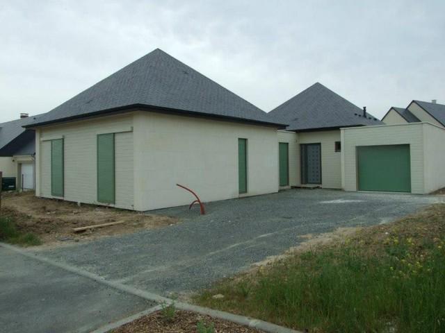 Construction maison individuelle en pierre massive et ossatures bois for Construction maison en bois et pierre