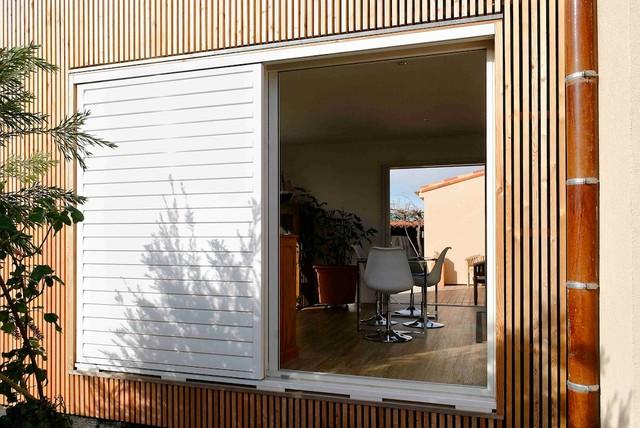 extension contemporaine en ossature bois. Black Bedroom Furniture Sets. Home Design Ideas