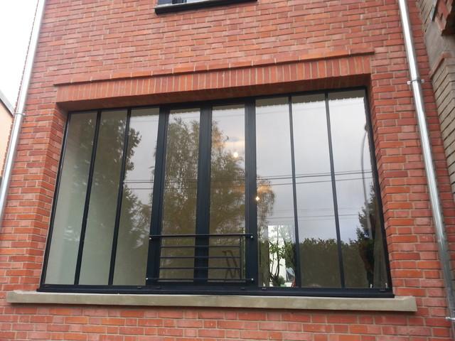 Extension style atelier avec fa ade brique classique for Fenetre style atelier exterieur
