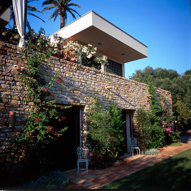 Decoration maison exterieur algerie for Facade maison avec balcon